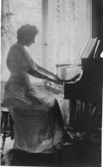 Celine_at_Piano