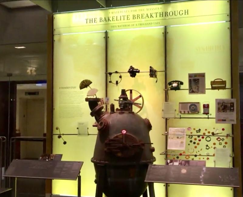 Bakelite display showing a polyresin replica of The Bakelizer at the Science History Institute